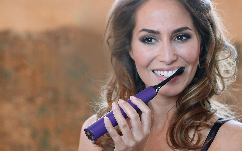 8 Ways to Whiten Your Teeth